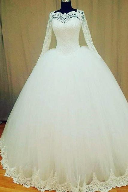 Vintage Ball Gown Lace Wedding Dress with Appliqued Long Sleeves and Sweetheart Neckline 2018 Plus Size Long Women Wedding Gowns Sweep Train Beauty Bridal Gowns