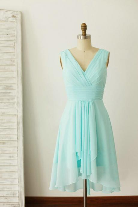 Mint Green V-neckline Chiffon Wedding Party Dress, Beautiful Short Party Dress, Chiffon Dress,2018 Short Ruffle Bridesmaid Dresses, Wedding Guest Gowns ,Women Party Gowns ,Brides Maid Dresses