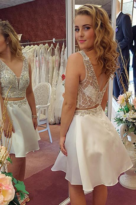 White Beaded Homecoming Dresses Short Two Pieces Cocktail Dresses Off Shoulder Women Party Gowns ,Sexy Backless Graduation Dress,Cheap Homecoming Gowns