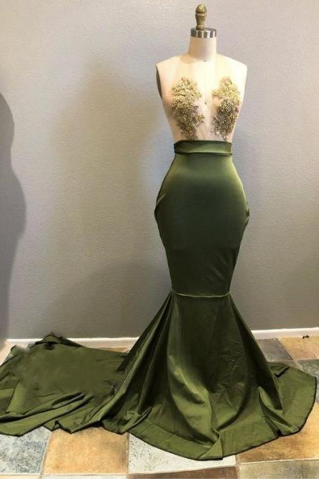 New Arrival Deep V-Neck Mermaid Green Velvet Prom Dress Fashion Lace Appliqued Formal Evening Party Gowns 2019