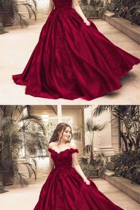 New Arrival Ball Gown Lace Prom Dresses Burgundy Sain Prom Party Gowns Sweet Quinceanera Dresses