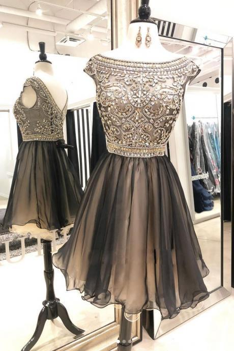 Luxury Beaded Scoop Neck Short Homecoming Dress A Line Women Party Gowns ,Short Cocktail Party Gowns ,